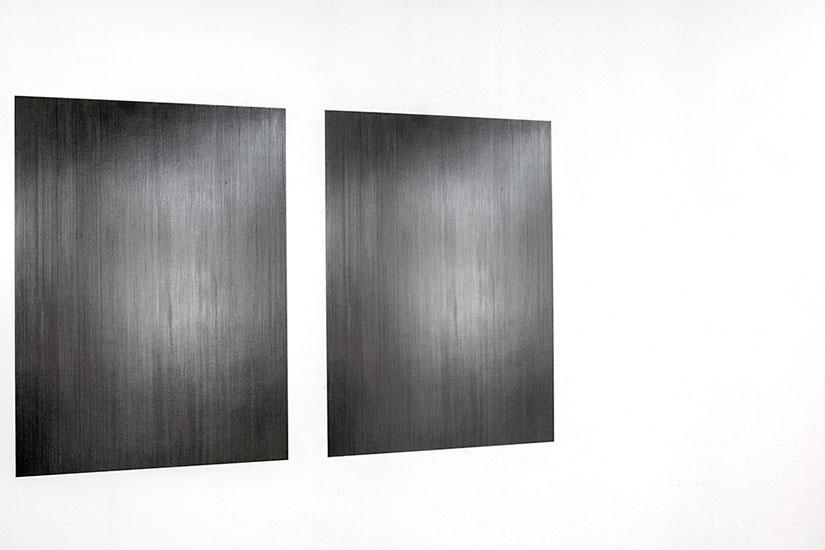 Panel, grafito y papel 100cm x 70cm c/u 2012.