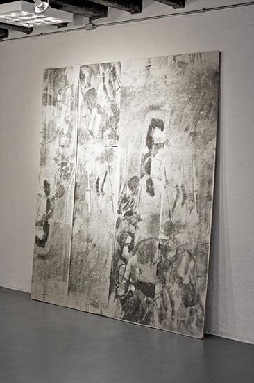 Roda 1-2, serigrafía sobre madera, 2,00m x 0.50m x 0.30m (4 módulos) 2009