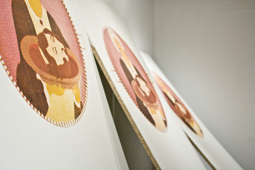 Salomé, serigrafía sobre madera, 2,44m x 1.50m(4 módulos), 2009.