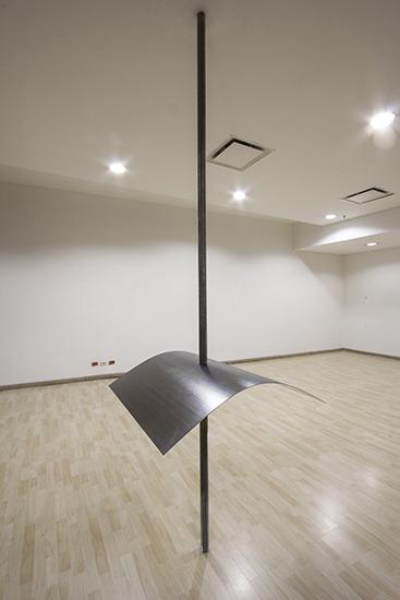 Haste, grafite e papel 100cm x 100cm e varilla roscada 3,50 m diámetro 5cm