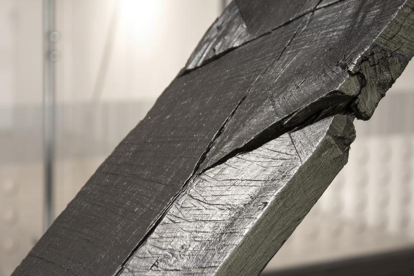 Mão única, graphite, madeira e rolamento  3m x 2.50, 2013
