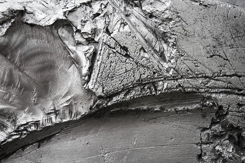 Llanta de carga  29.5 x 29, grafito y madera. 200cm Ø x 80cm, 2013