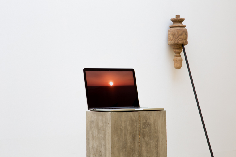 Andaluz, 2016, wood found object, steel bar, 250 x 30 x 85 cm. Andrea Galvani