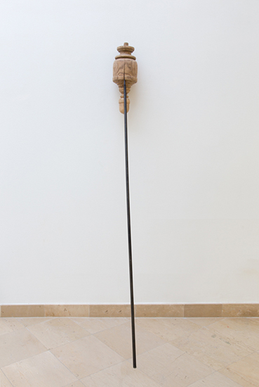 Andaluz, 2016, wood found object, steel bar, 250 x 30 x 85 cm.